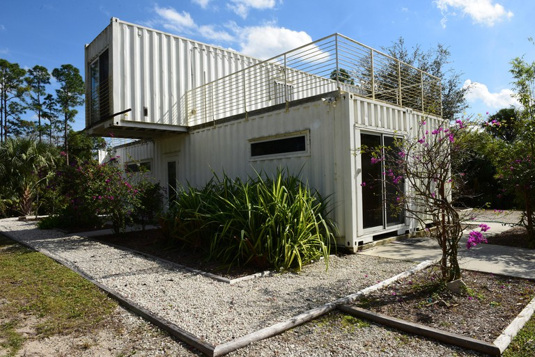 Boynton Beach, USA. 02nd Feb, 2017. The shipping container house of Rick Clegg of the Headwaters Eco Retreat in Jupiter Farms. The container house is being used as an AirBnB rental and as an eco retreat for tourists who don't want to stay in a hotel or sl