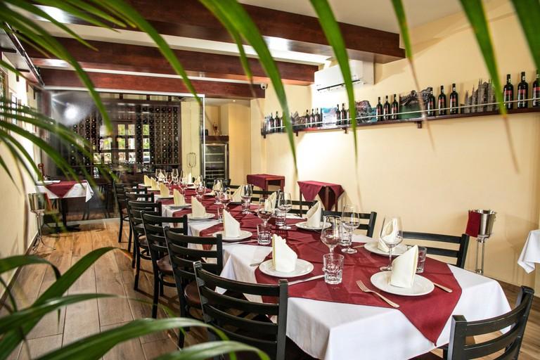 Invita-Bistro-Restaurant-8