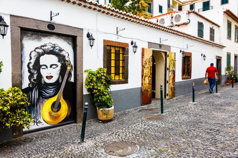 JY66RG Painted door in old quarter, Funchal, Madeira