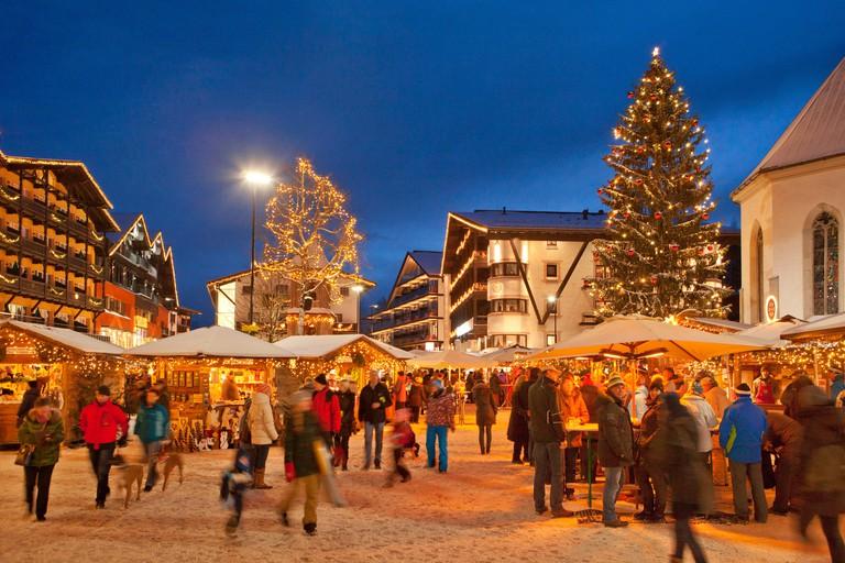 Austria, Tyrol, Christmas market in Seefeld