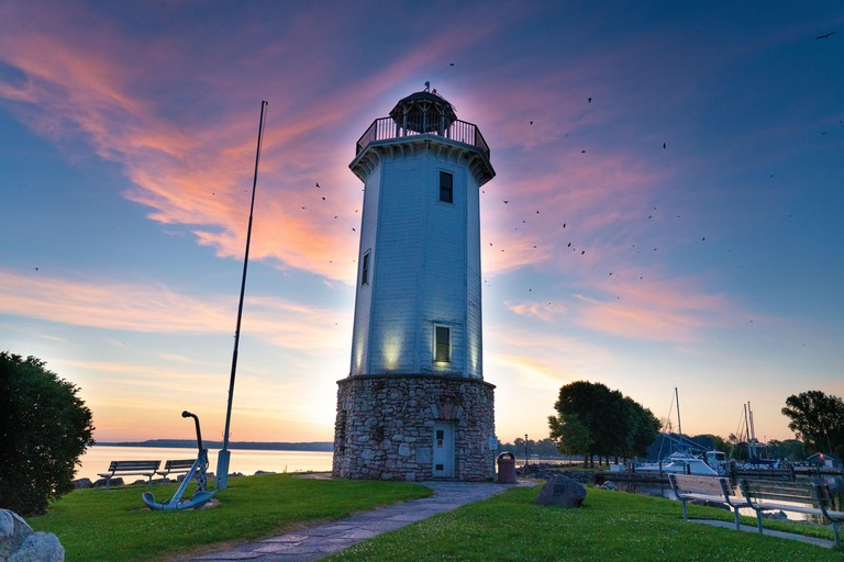 WPCXF4 Fond du Lac Wisconsin Lighthouse out at Lakeside Park