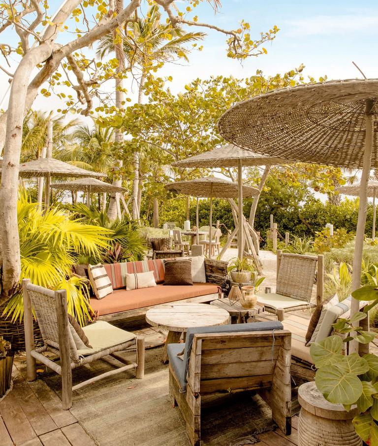 1 Hotel South Beach's Wave Club