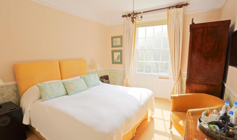 104871285 The Library House Bed and Breakfast