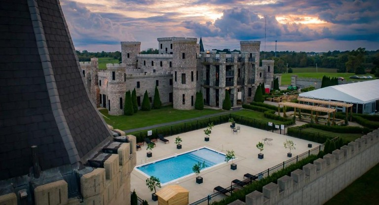 243173248 - The Kentucky Castle