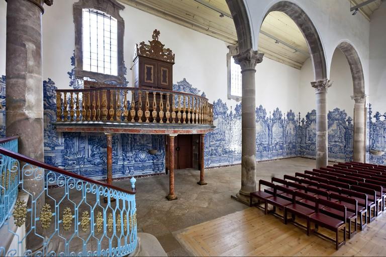 Tavira: Azulejos in der Kirche Igreja da Misericordia, Algarve | usage worldwide