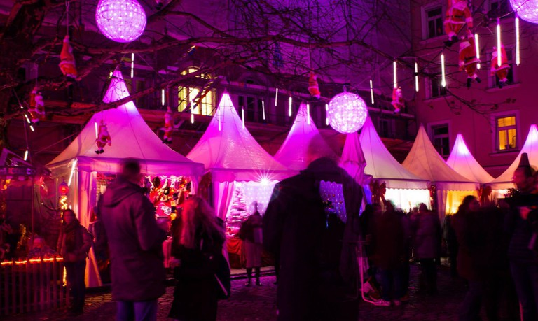 During the Advent season, the Pink Christmas market is held in the Glockenbachviertel. [automated translation]