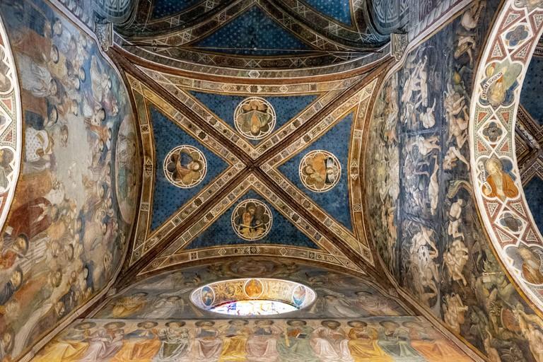 2G2084C Inside of the Collegiate Church of Santa Maria Assunta, San Gimignano