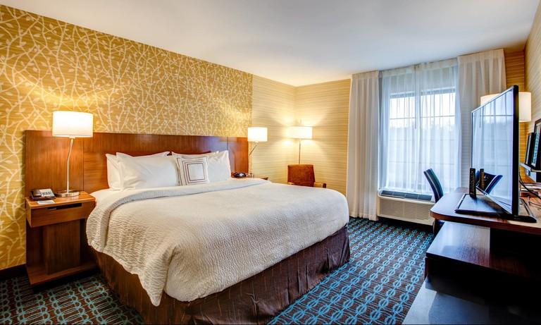 ab9d4f95 Fairfield Inn & Suites Springfield Holyoke