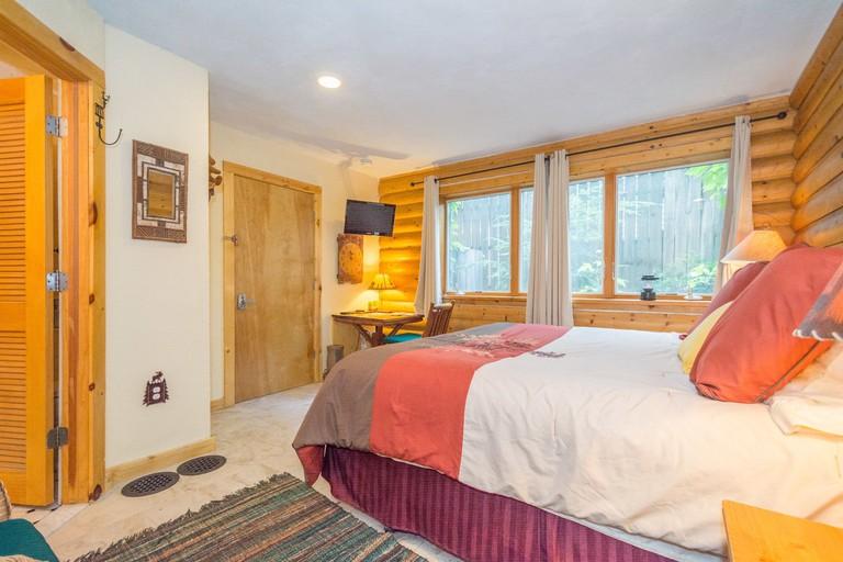 A cosy room at the Ann Arbor Bed & Breakfast Inn @ Rackham Gardens