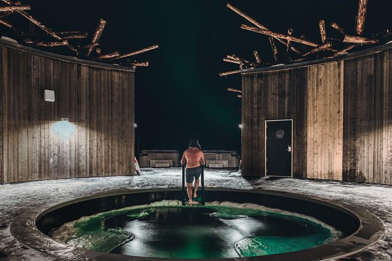 arctic-bath-coldbath-photo-daniel-holmgren