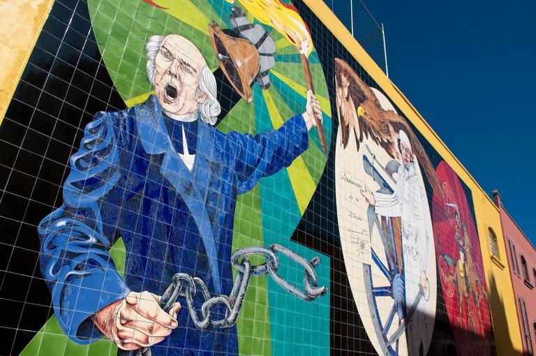 BF20M7 Ceramic tile mural depicting Father Hidalgo calling for the Mexican Revolution; Dolores Hidalgo, Guanajuato, Mexico.