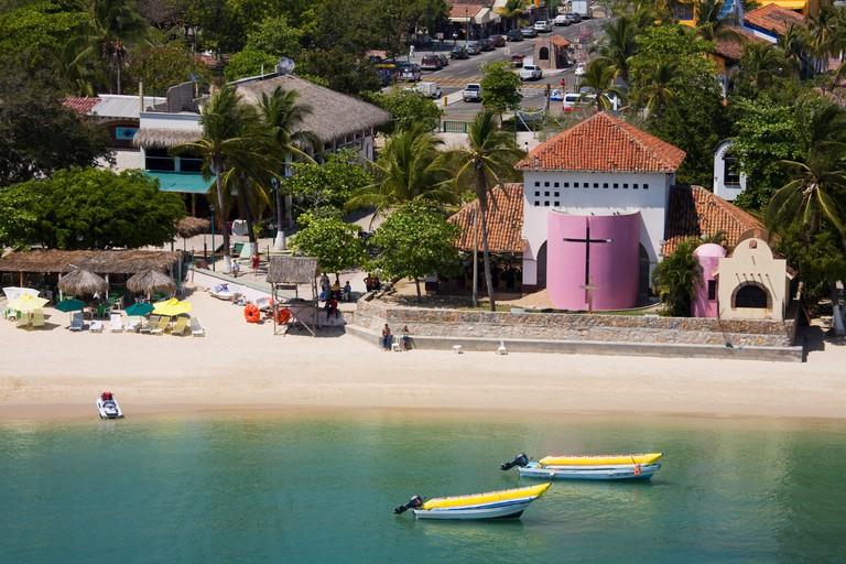 BG3J1H Santa Cruz Beach, Bahias de Huatulco, Oaxaca State, Pacific Coast, Mexico, North America