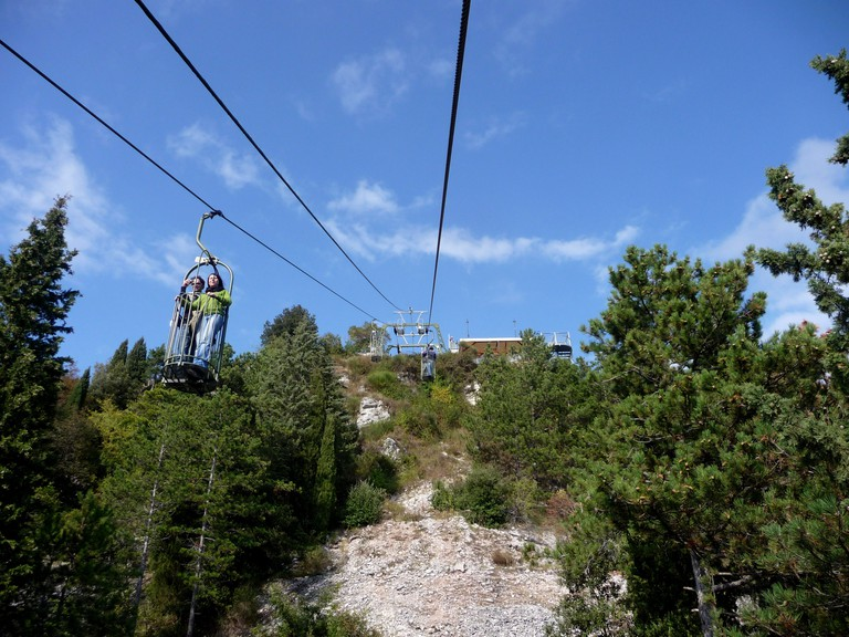 The Cable car that climbs up the slopes of Mount Ingino