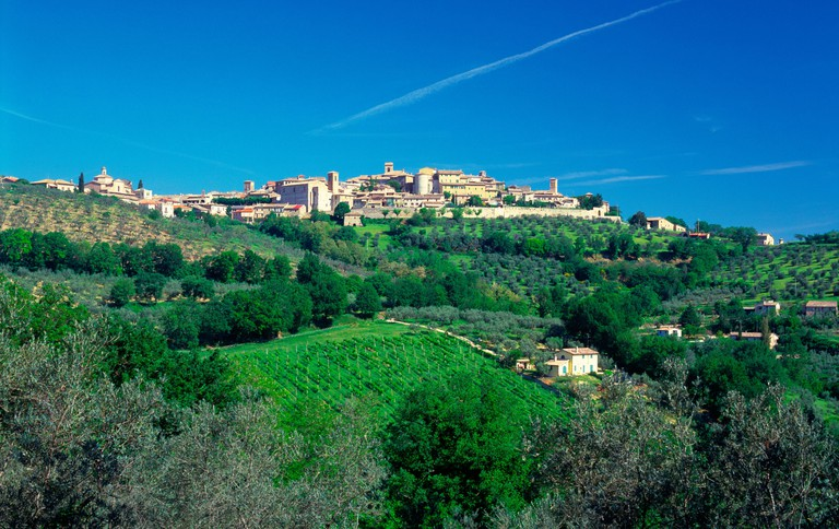 Italy, Umbria, montefalco, view towards town