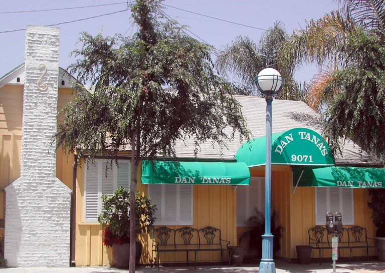 May 08, 2004; Los Angeles, CA, USA; Dan Tana's is something of a local landmark. Located just two doors down from the famous Troubadour nightclub, this old-fashioned, checkered-tablecloth Italian restaurant in West Hollywood been open for business for thi