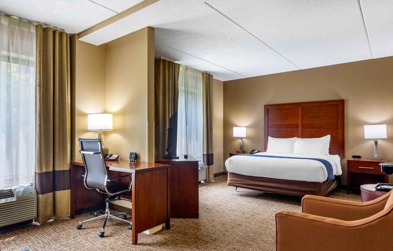 Comfort Suites Manchester