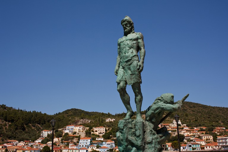 DD53D7 Statue of Odysseus, in Vathy harbour, on the Greek island of Ithaca, Greece