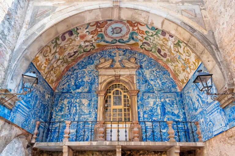 Porta da Vila, Inside azulejos, Obidos, Estremadura and Ribatejo, Portugal