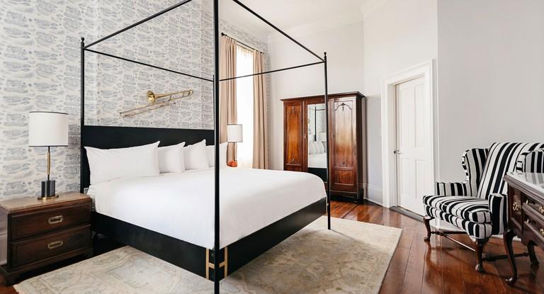 ed786720 - Henry Howard Hotel