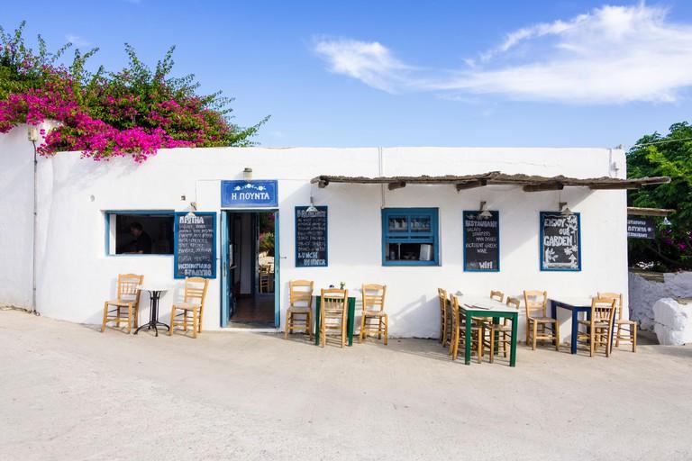 Pounta taverna in Plateia Pounta, Chora, Folegandros, Cyclades, Greece. Image shot 2015. Exact date unknown.