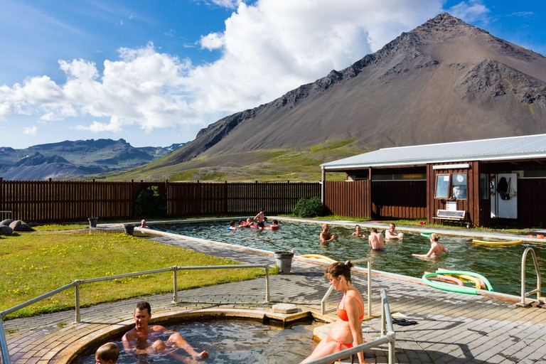 Lysuholt Laug, thermal bath, hot pot