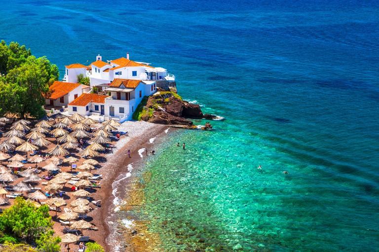 Beautiful beaches of Hydra,Greece. - GM8TE9