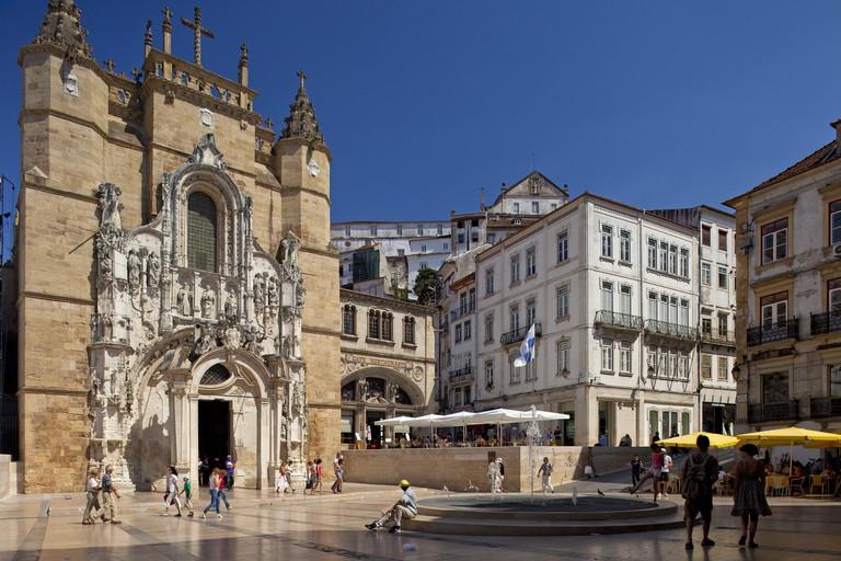 Portugal, Coimbra, untertown, city hall square, cloister of Santa Cruz,