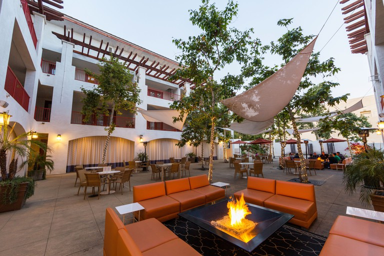 Hotel Casa 425 and Lounge
