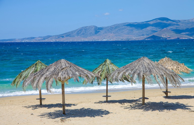 KGDWX3 Plaka beach at the west side of Naxos island, Cyclades, Aegean, Greece