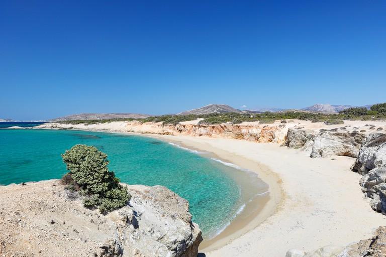 KM495Y Hawaii Beach of Alyko Peninsula in Naxos island, Greece