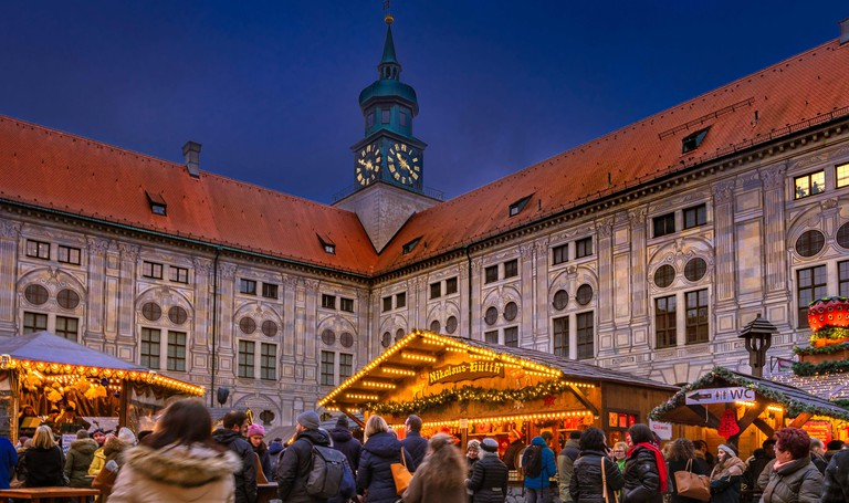 Christmas market in the Kaiserhof of the Residenz in Munich, Bavaria, Germany, Europe