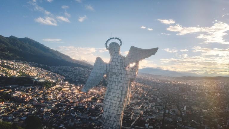 Virgen de Quito desde el Panecillo en Ecuador