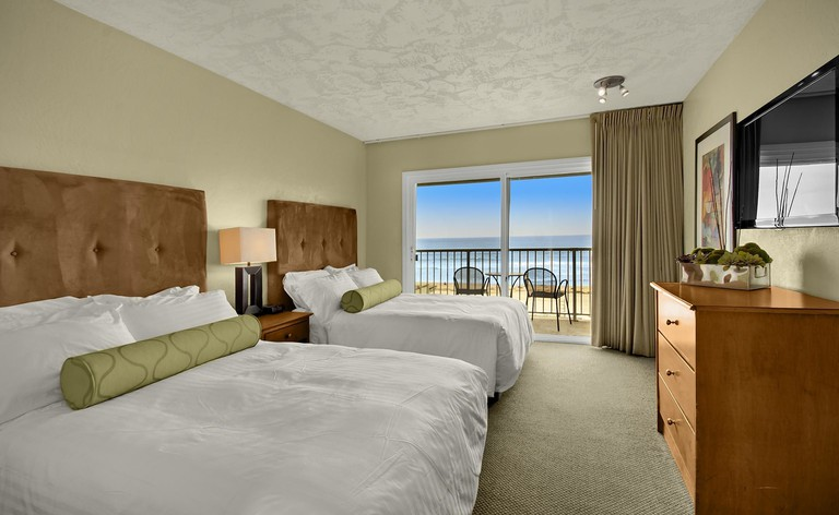 57d69091 The Surfer Beach Hotel