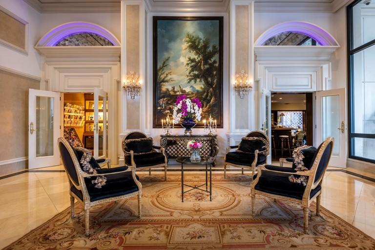 Beverly Hills Plaza Hotel_34abd5ba