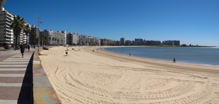 La Rambla Promenade in Montevideo © Jose Porras/WikiCommons