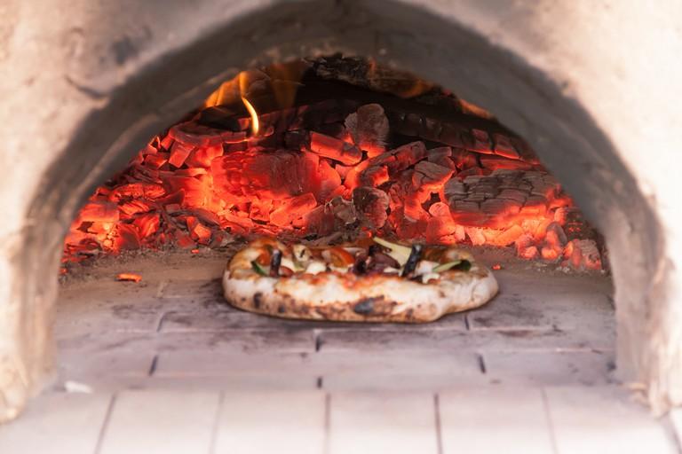 Clay Oven Pizza | ©Annika Agren/Flickr