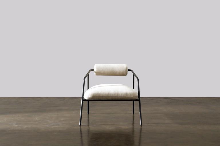M2002-1015 Cyrus chair