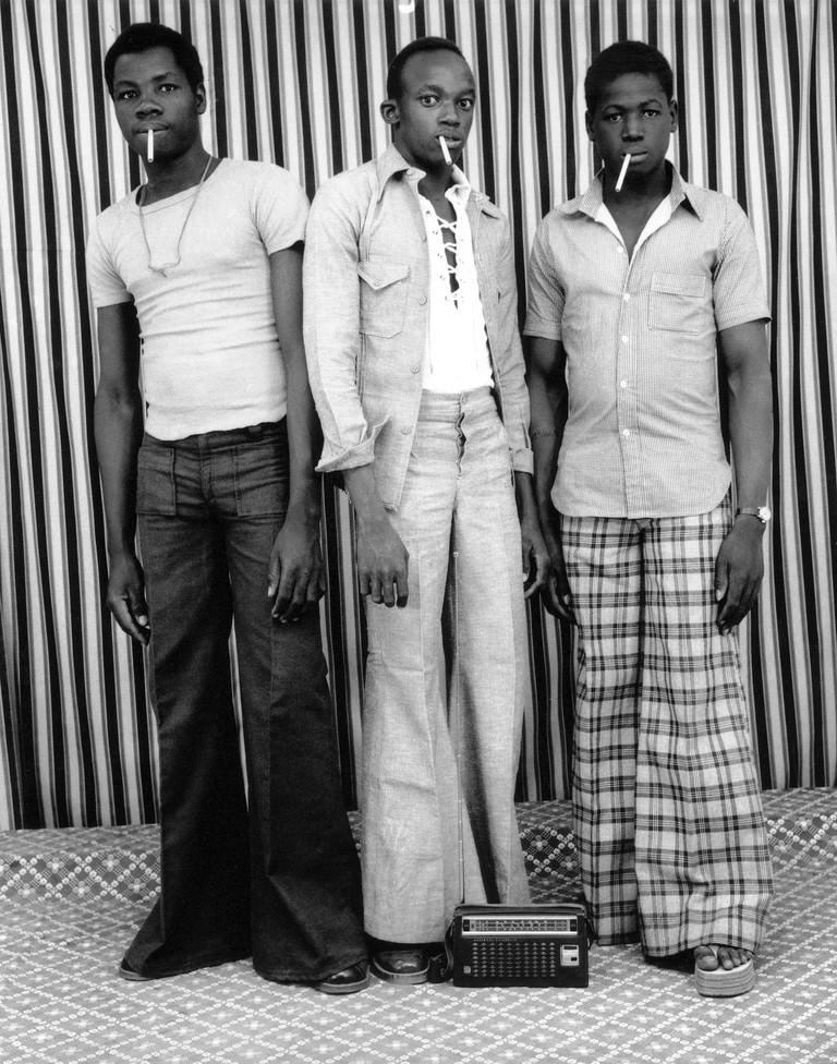Malick Sidibé, Les Apprentis fumeurs, 1976
