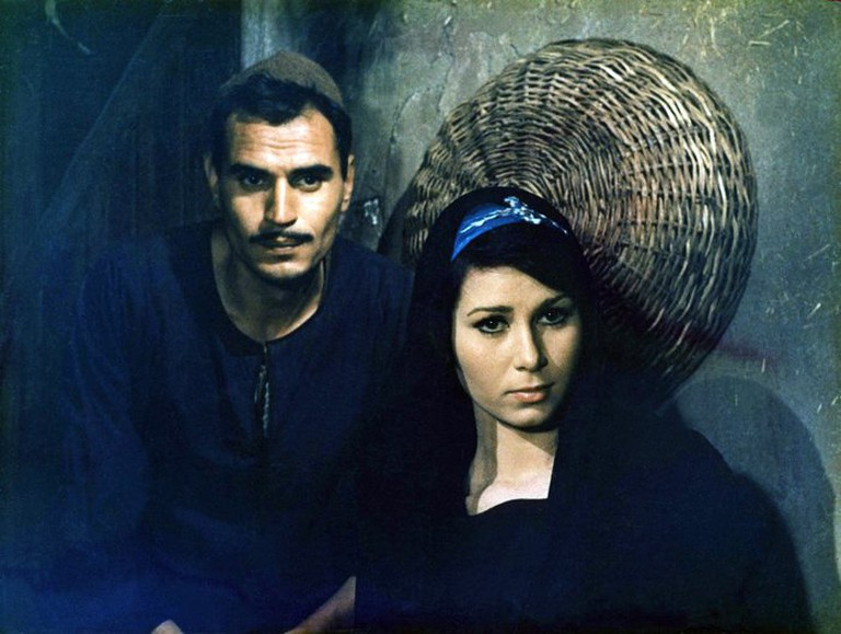Ezzat El Alaili and Nagwa Ibrahim in The Land (1969)