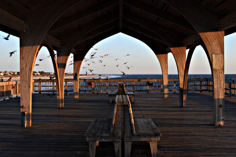 Covered pier on the beaches of Tybee island Savannah Georgia ©Jack schiffer / Shutterstock