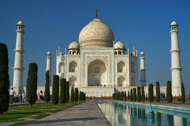 Agra, Insia