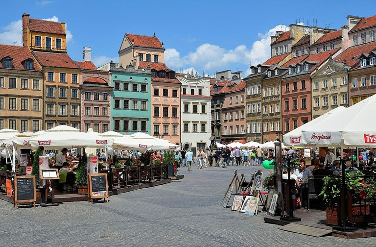 1024px-Warsaw_Old_Town_Market_Square_10