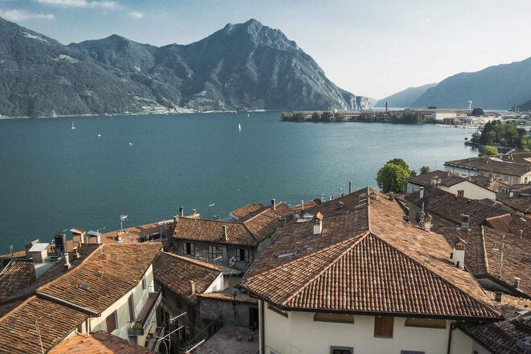 Lovere looking over Lake Iseo |© Katty Piazza/Flickr