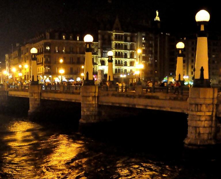 Kursaal Bridge at night   © Urko Dorronsoro/Flickr