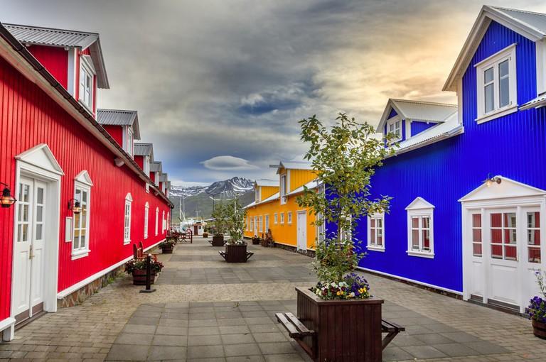 Colorful buildings in the village of Siglufjörður, Iceland | © Alexey Stiop/Shutterstock