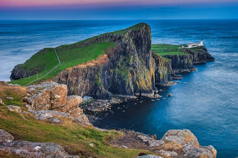 Neist Point at the tip of the Duirinish peninsula |© Oliver Clarke/Flickr