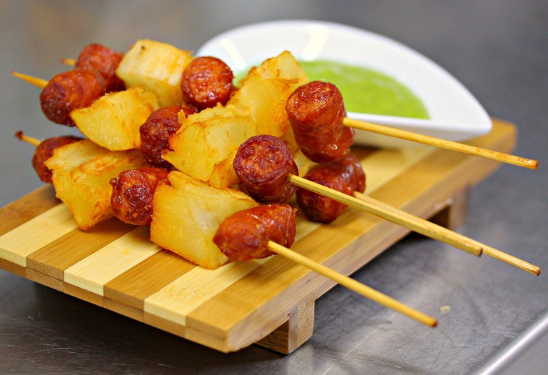 Skewers with Chistorra. a Basque Speciality | ©franzconde/Flickr