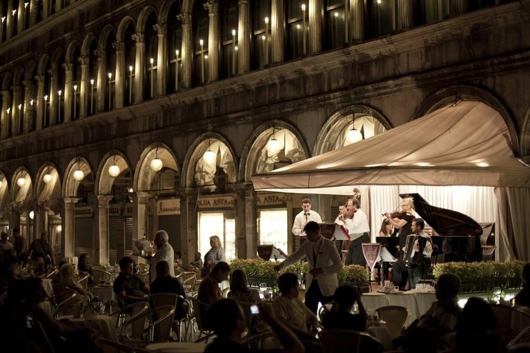 Italian Night Life © Aurimas