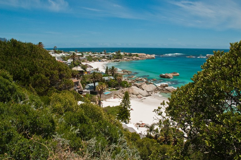 PROGraeme Churchard Follow Along the shore from Camps Bay to Clifton | © Graeme Churchard/Flickr