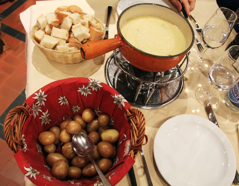Cheese fondue © Sophie Knight